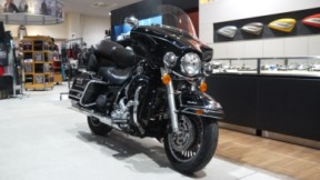 2010 Harley-Davidson® Electra Glide® Ultra Classic® thumb 0