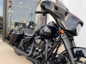 2018 Harley-Davidson® Street Glide® Special thumb 3
