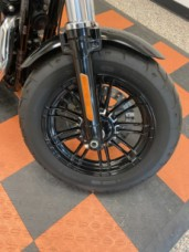 Harley-Davidson<sup>®</sup> Forty-Eight<sup>®</sup> 2016 XL 1200X 440958U-ADV BLACK thumb 3