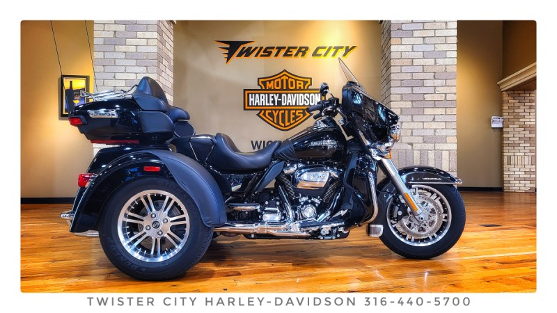 2019 Harley-Davidson® Tri Glide® Ultra : FLHTCUTG for sale near Wichita, KS