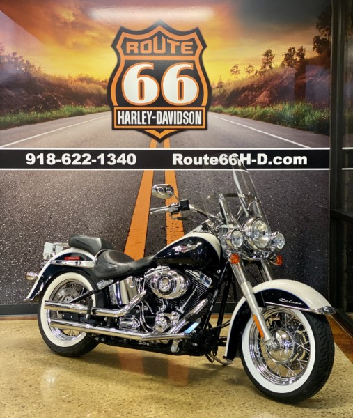Birch White/Midnight Pearl 2013 Harley-Davidson® Softail® Deluxe FLSTN