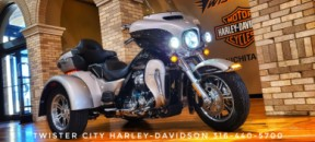 2018 Harley-Davidson® Tri Glide® Ultra : FLHTCUTG for sale near Wichita, KS thumb 1