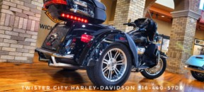 2019 Harley-Davidson® Tri Glide® Ultra : FLHTCUTG for sale near Wichita, KS thumb 0