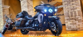 2021 Harley-Davidson® Ultra Limited – Black Option : FLHTK for sale near Wichita, KS thumb 2
