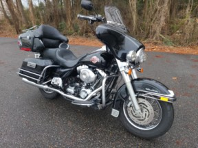 2005 Harley-Davidson® Electra Glide® Ultra Classic® thumb 3