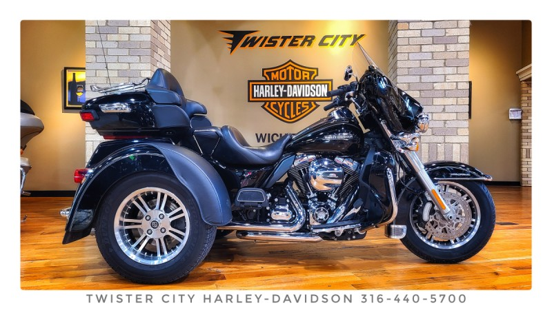 2016 Harley-Davidson® Tri Glide® Ultra : FLHTCUTG for sale near Wichita, KS