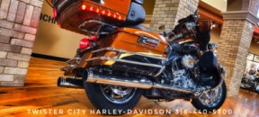 2008 Harley-Davidson® CVO™ Ultra Classic® Electra Glide® : FLHTCUSE3 for sale near Wichita, KS thumb 1