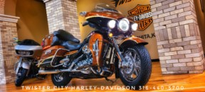 2008 Harley-Davidson® CVO™ Ultra Classic® Electra Glide® : FLHTCUSE3 for sale near Wichita, KS thumb 2