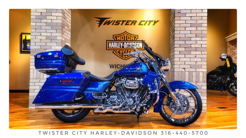 2013 Harley-Davidson® CVO™ Road King® : FLHRSE5 for sale near Wichita, KS