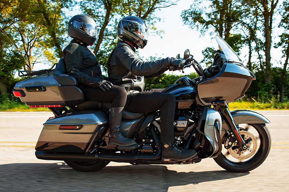 Road Glide<sup>®</sup> Limited Instagram image 2