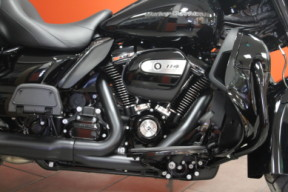2021 Harley-Davidson® Ultra Limited thumb 3