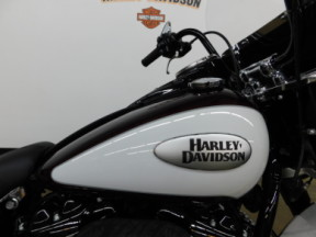 2021 Harley-Davidson Heritage Softail Classic 114 thumb 1