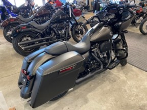 2021 Harley-Davidson® Road Glide® Special thumb 2