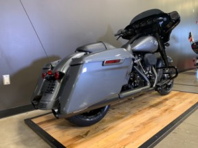 2021 Harley-Davidson® Street Glide® Special thumb 3