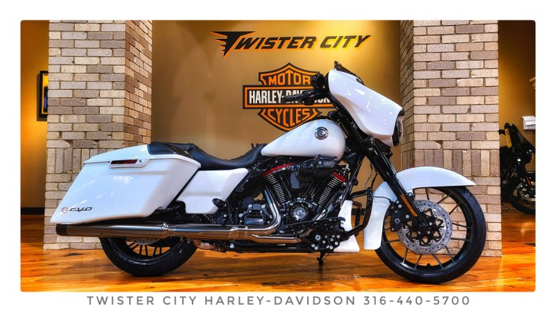2021 Harley-Davidson® CVO™ Street Glide® : FLHXSE for sale near Wichita, KS