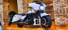 2021 Harley-Davidson® CVO™ Street Glide® : FLHXSE for sale near Wichita, KS thumb 2