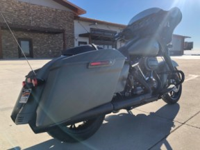 2021 Street Glide<sup>®</sup> Special thumb 2