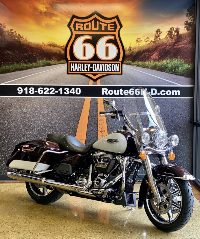 Midnight Crimson/Stone Washed White Pearl 2021 Harley-Davidson® Road King® FLHR
