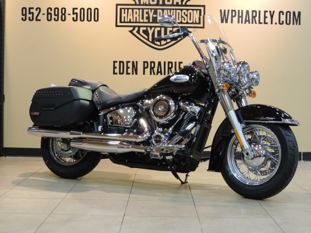 2021 Harley-Davidson® Touring Softail FLHC Heritage Classic 107