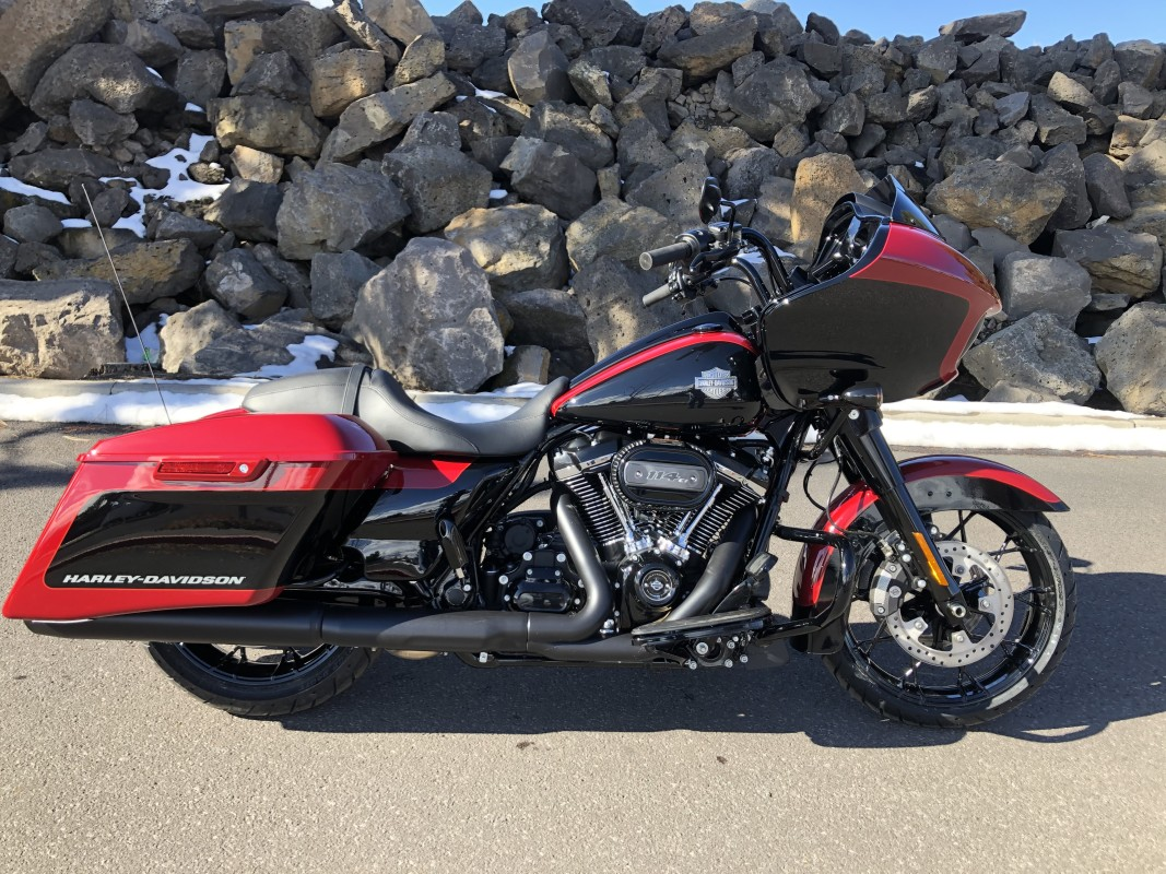2021 Harley-Davidson® Road Glide® Special Billiard Red / Vivid Black – Black Finish