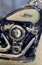 Midnight Crimson & Stone Washed White Pearl 2021 Harley-Davidson® Heritage Classic 107 FLHC thumb 2