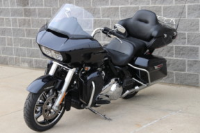 FLTRK 2020 Road Glide<sup>®</sup> Limited thumb 1