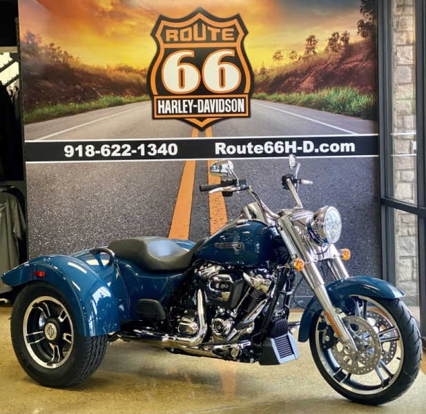 Billiard Teal 2021 Harley-Davidson® Freewheeler® FLRT