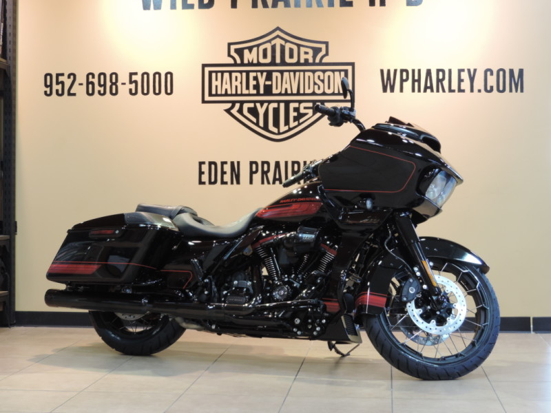 2021 Harley-Davidson® HD Touring FLTRXSE CVO™ Road Glide® Black Hole