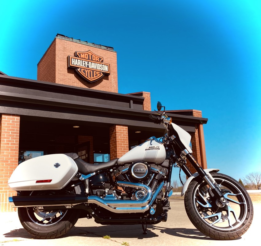 2021 Harley-Davidson® Sport Glide® Stone Washed White Pearl
