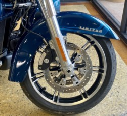 Tahitian Teal 2020 Harley-Davidson® Road Glide® Limited FLTRK thumb 3