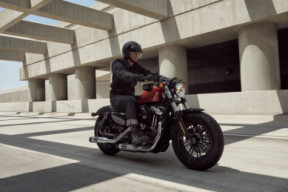 HARLEY-DAVIDSON® SPORTSTER FORTY-EIGHT™ thumb 1