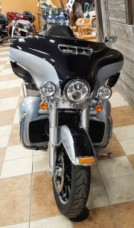 2019 Harley-Davidson® Ultra Limited Midnight Blue/Barracuda Silver thumb 2