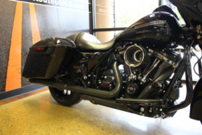 Black 2018 Harley-Davidson® Street Glide® Special FLHXS thumb 0