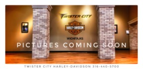 2017 Harley-Davidson® Road Glide® Ultra : FLTRU for sale near Wichita, KS thumb 1